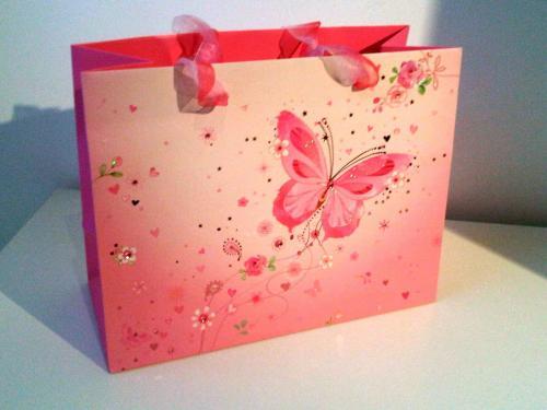 lynn-horrabins-gorgeous-gift-bag