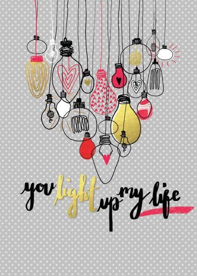 lightbulb-heart-gold