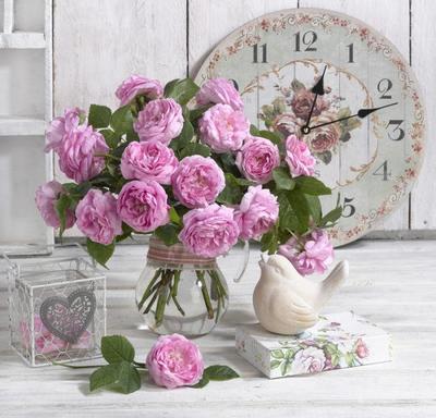 floral-still-life-roses-lmn47359-0