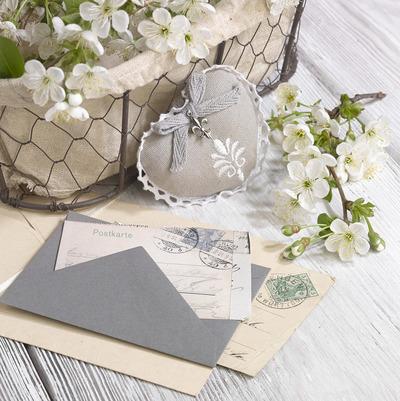 floral-still-life-greeting-card-female-lmn53685-jpg