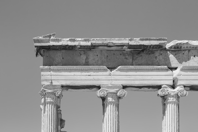 akropolis-greece-1-bw-jpg