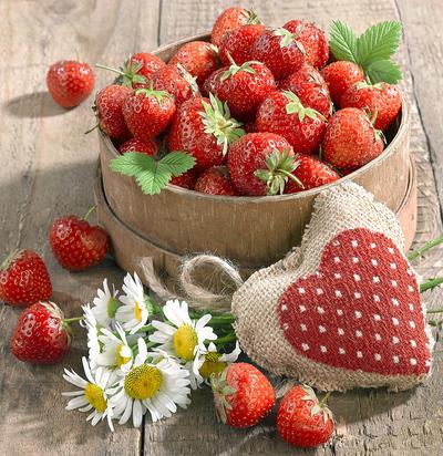 still-life-greeting-card-strawberry-lmn70130-jpg